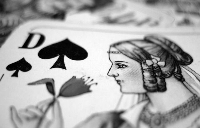 playing-cards-lady-peaks-1600x1200